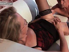 Horny matyre whore gets...